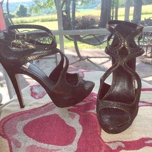 Straps platform heels